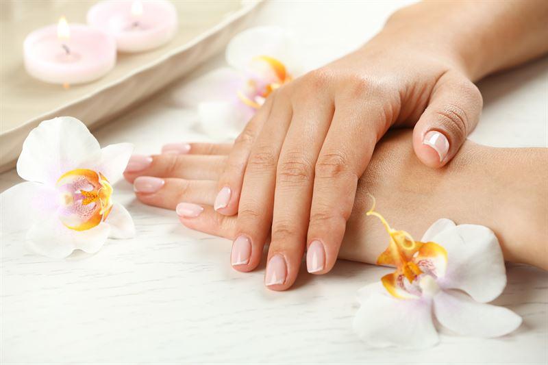 Likwidacja przebarwień i plam starczych dłoni